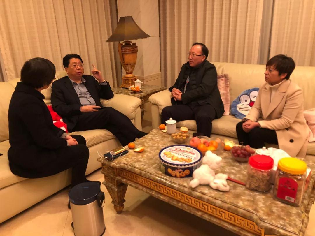 物产中大集团王挺革董事长看望慰问郑妮妮并实地考察中大银座园区