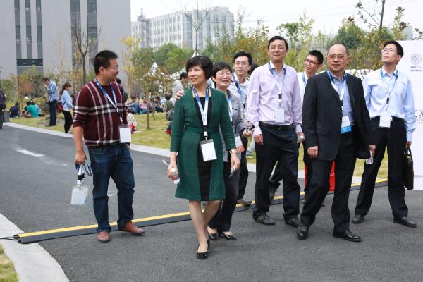 集团总裁周冠女、副总裁沈光明一行到访我公司